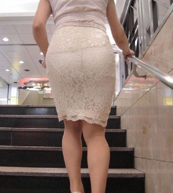 【透けスカートエロ画像】スカート透けてパンティー丸見えなのに気づかない素人女子たちの透けスカートのエロ画像集!ww【80枚】 79