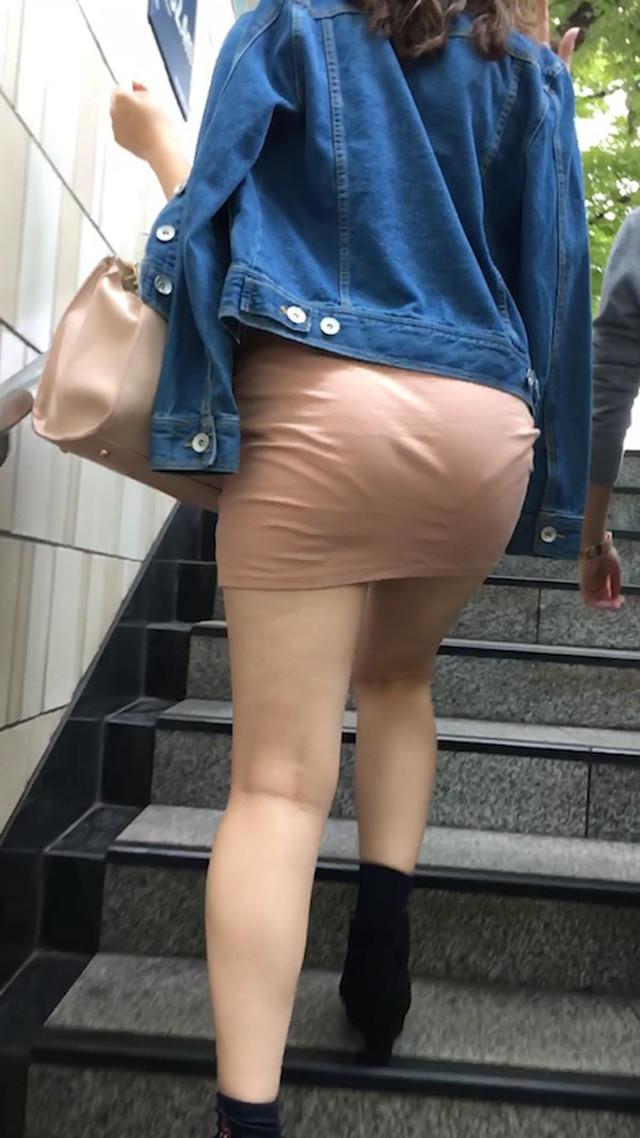 【透けスカートエロ画像】スカート透けてパンティー丸見えなのに気づかない素人女子たちの透けスカートのエロ画像集!ww【80枚】 80