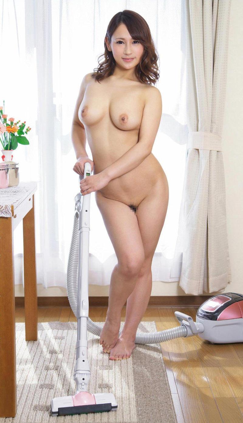 【家政婦エロ画像】四つん這いで掃除する巨乳でデカ尻の家政婦に興奮して残業セックスお願いしちゃう家政婦のエロ画像集ww【80枚】 58