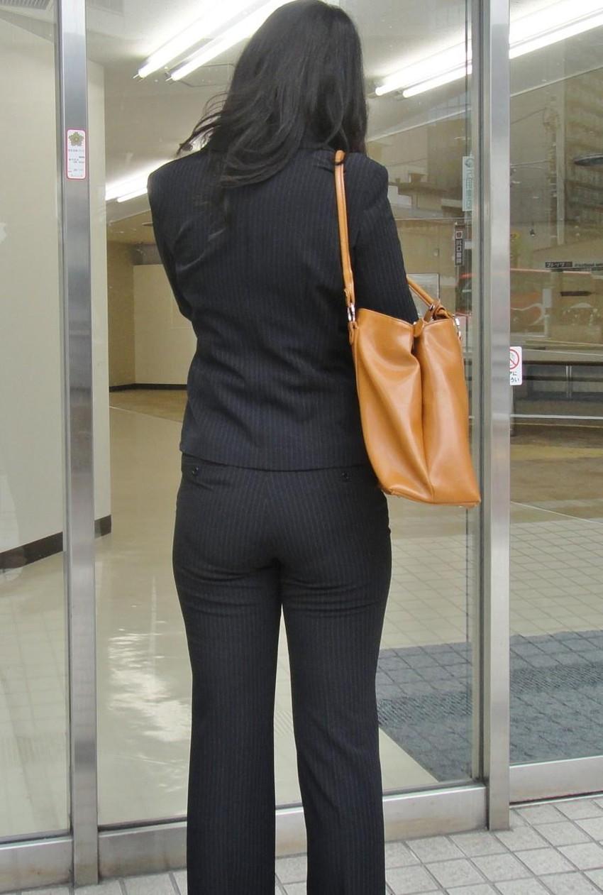 【パンツスーツエロ画像】キャリアウーマン風のパンツスーツOLのパンティーラインを盗撮したり着衣セックスで調教しちゃったパンツスーツのエロ画像集!ww【80枚】 41