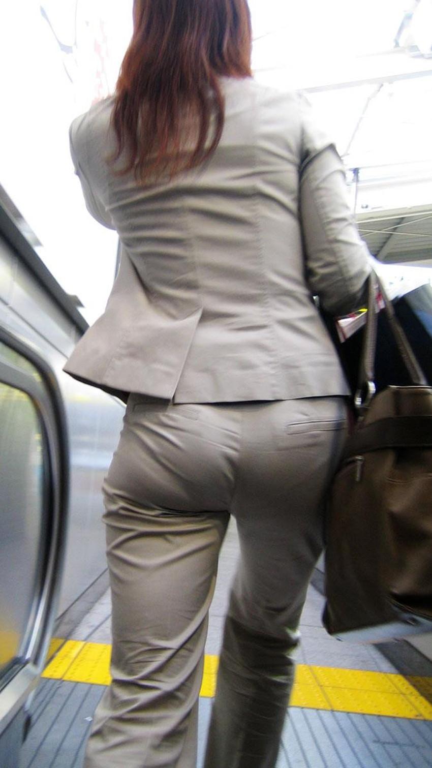 【パンツスーツエロ画像】キャリアウーマン風のパンツスーツOLのパンティーラインを盗撮したり着衣セックスで調教しちゃったパンツスーツのエロ画像集!ww【80枚】 47