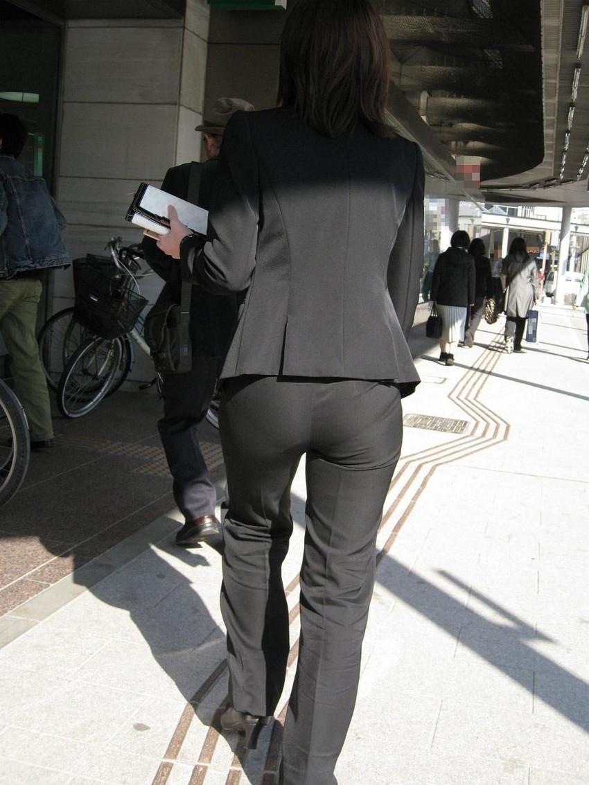 【パンツスーツエロ画像】キャリアウーマン風のパンツスーツOLのパンティーラインを盗撮したり着衣セックスで調教しちゃったパンツスーツのエロ画像集!ww【80枚】 55