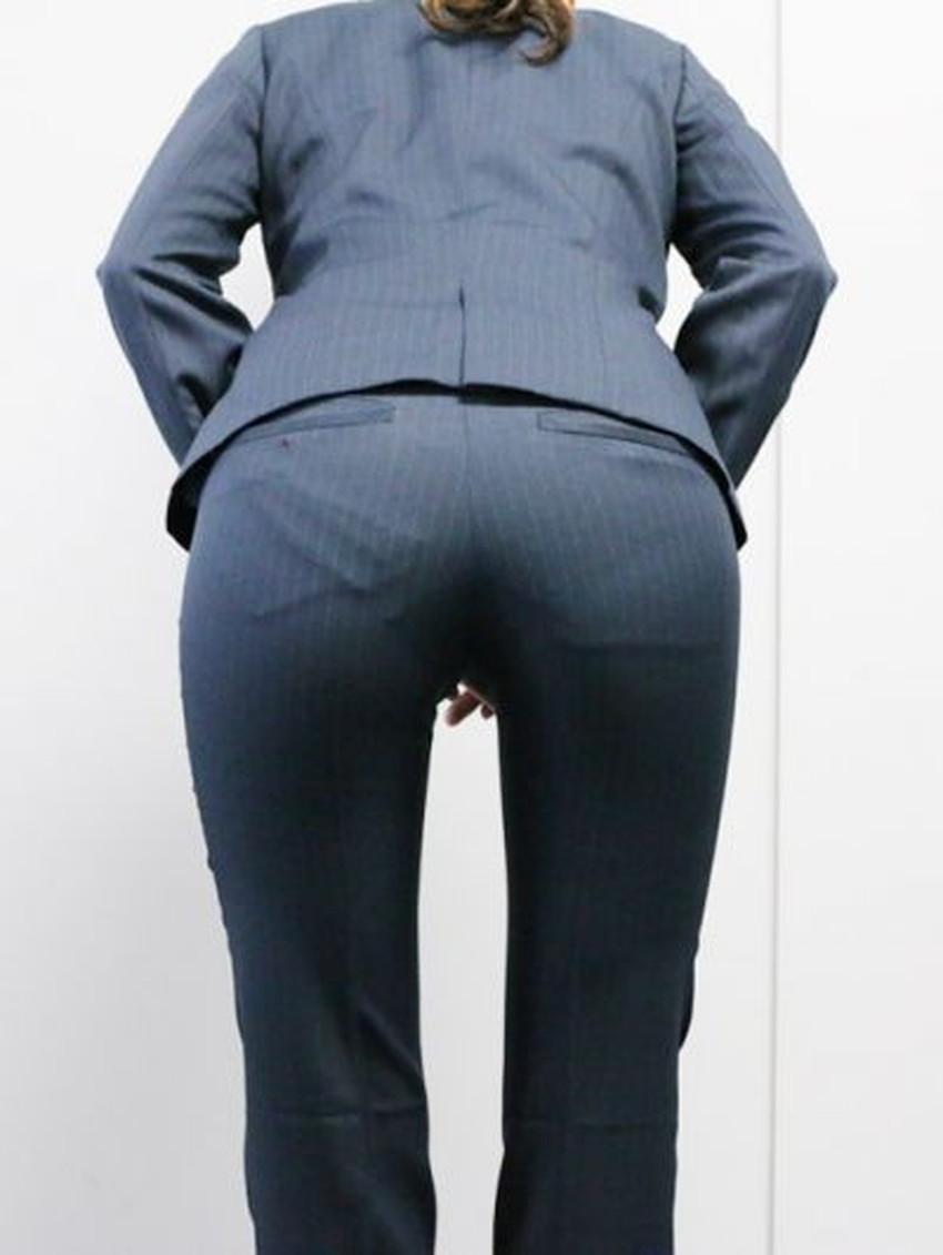 【パンツスーツエロ画像】キャリアウーマン風のパンツスーツOLのパンティーラインを盗撮したり着衣セックスで調教しちゃったパンツスーツのエロ画像集!ww【80枚】 57