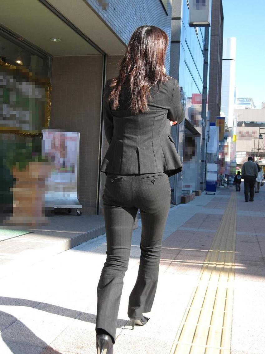 【パンツスーツエロ画像】キャリアウーマン風のパンツスーツOLのパンティーラインを盗撮したり着衣セックスで調教しちゃったパンツスーツのエロ画像集!ww【80枚】 80