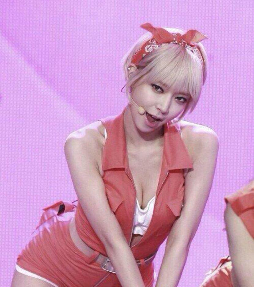 【韓国アイドルエロ画像】スタイル抜群でカワイ過ぎる韓国アイドル達がパンチラや尻チラ、まんすじ食い込ませて胸チラもさせちゃってる韓国アイドルのエロ画像集ww【80枚】 08