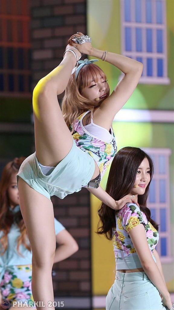 【韓国アイドルエロ画像】スタイル抜群でカワイ過ぎる韓国アイドル達がパンチラや尻チラ、まんすじ食い込ませて胸チラもさせちゃってる韓国アイドルのエロ画像集ww【80枚】 25