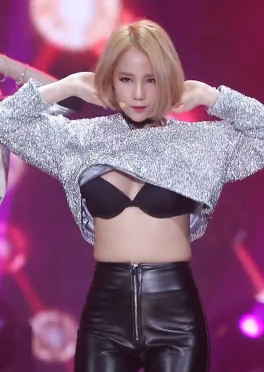 【韓国アイドルエロ画像】スタイル抜群でカワイ過ぎる韓国アイドル達がパンチラや尻チラ、まんすじ食い込ませて胸チラもさせちゃってる韓国アイドルのエロ画像集ww【80枚】 57