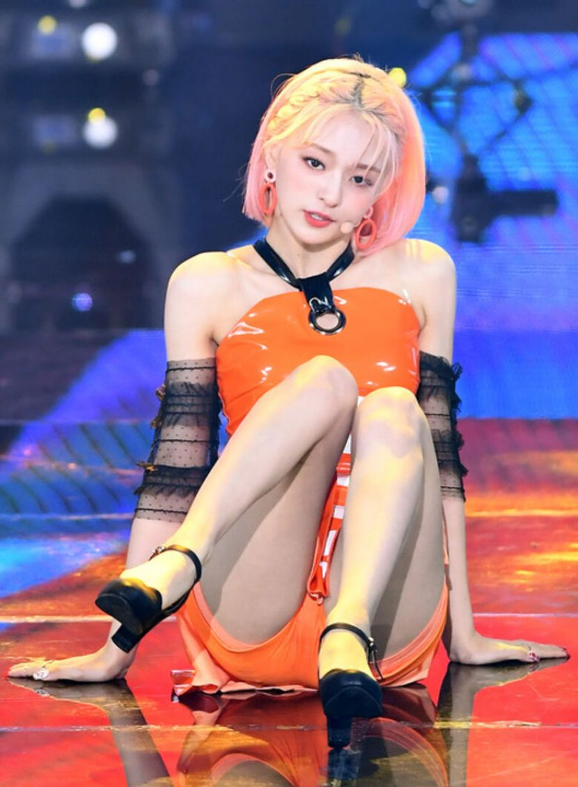 【韓国アイドルエロ画像】スタイル抜群でカワイ過ぎる韓国アイドル達がパンチラや尻チラ、まんすじ食い込ませて胸チラもさせちゃってる韓国アイドルのエロ画像集ww【80枚】 64