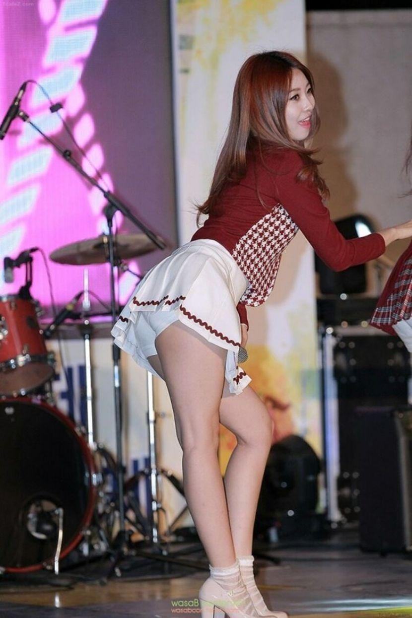 【韓国アイドルエロ画像】スタイル抜群でカワイ過ぎる韓国アイドル達がパンチラや尻チラ、まんすじ食い込ませて胸チラもさせちゃってる韓国アイドルのエロ画像集ww【80枚】 66