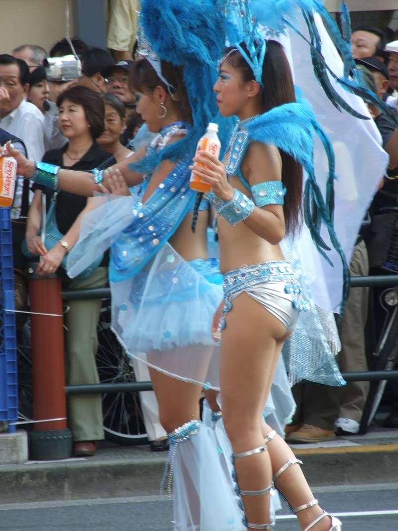 【サンバカーニバルエロ画像】日本の商店がでも胸チラ尻チラ必死のエロコスになってきた過激過ぎるサンバカーニバルのエロ画像集ww【80枚】 60