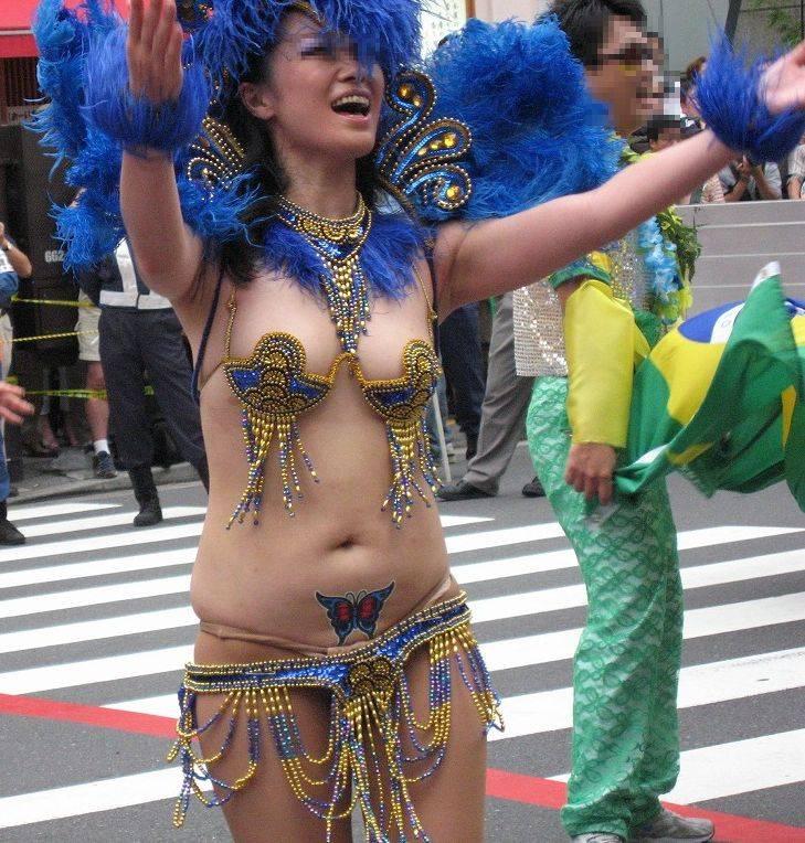 【サンバカーニバルエロ画像】日本の商店がでも胸チラ尻チラ必死のエロコスになってきた過激過ぎるサンバカーニバルのエロ画像集ww【80枚】 80