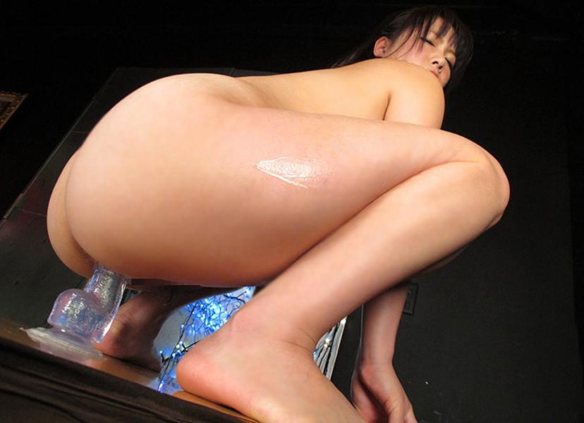 【ディルドオナニーエロ画像】てっとり速くリアルな勃起巨根の感触を味わえるディルドを家具に固定して杭打ちピストンでイキまくってる変態女子たちのディルドオナニーのエロ画像集!ww【80枚】 14