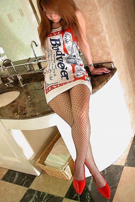【バドガールエロ画像】ビールで泥酔しながらミニスで胸チラ必至のバドガールとコスプレセックスしたくなるバドガールのエロ画像集!ww【80枚】 37