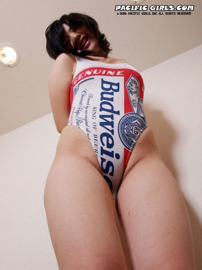 【バドガールエロ画像】ビールで泥酔しながらミニスで胸チラ必至のバドガールとコスプレセックスしたくなるバドガールのエロ画像集!ww【80枚】 53