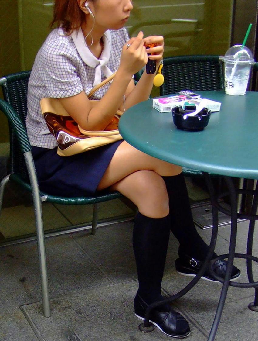 【足組みエロ画像】パンティー見えそうで見えない美脚なOLやお姉さんたちの足組みエロ画像集ww【80枚】 79