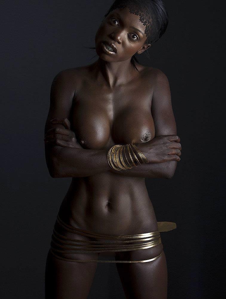 【黒人ヌードエロ画像】ブラック・イス・ビューティフル!日本人には無いくびれボインを披露してくれてる黒人ンヌードのエロ画像集!ww【80枚】 30