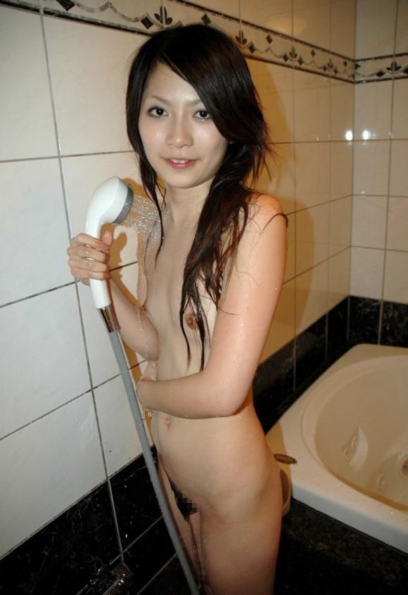 【濡れ髪ヌード画像】おっぱいもおまんこも露出してるお姉さんの髪が濡れてたら何倍もエロく感じる濡れ髪ヌードのエロ画像集!ww【80枚】 59