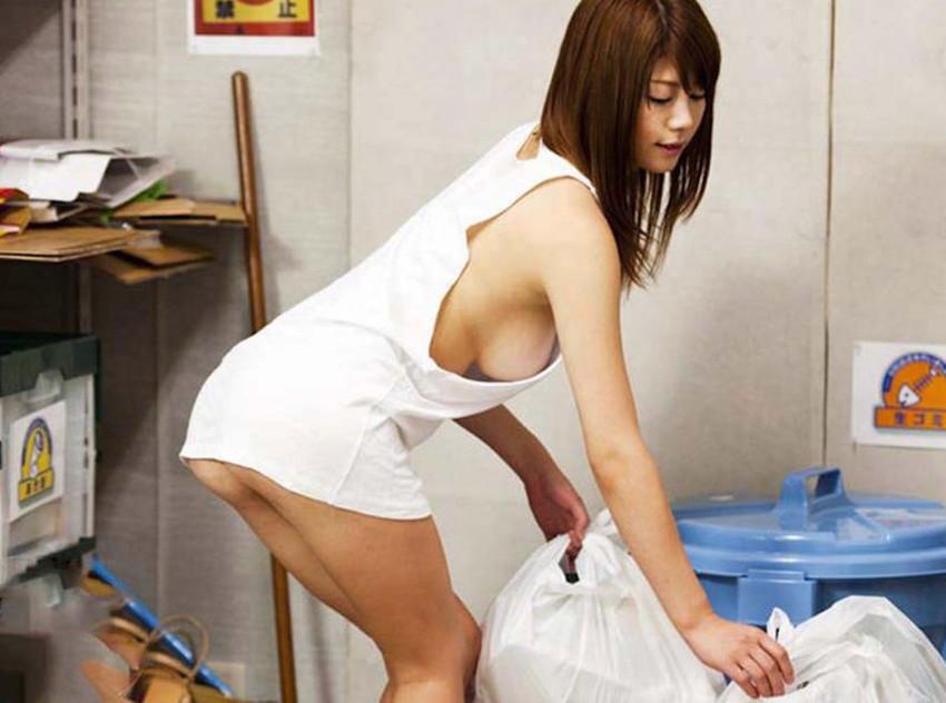 【ゴミ出し奥さんエロ画像】近所の美人妻がノーブラで胸チラさせてゴミ出ししてたのでその場で寝取ったゴミ出し奥さんのエロ画像集ww【80枚】 63
