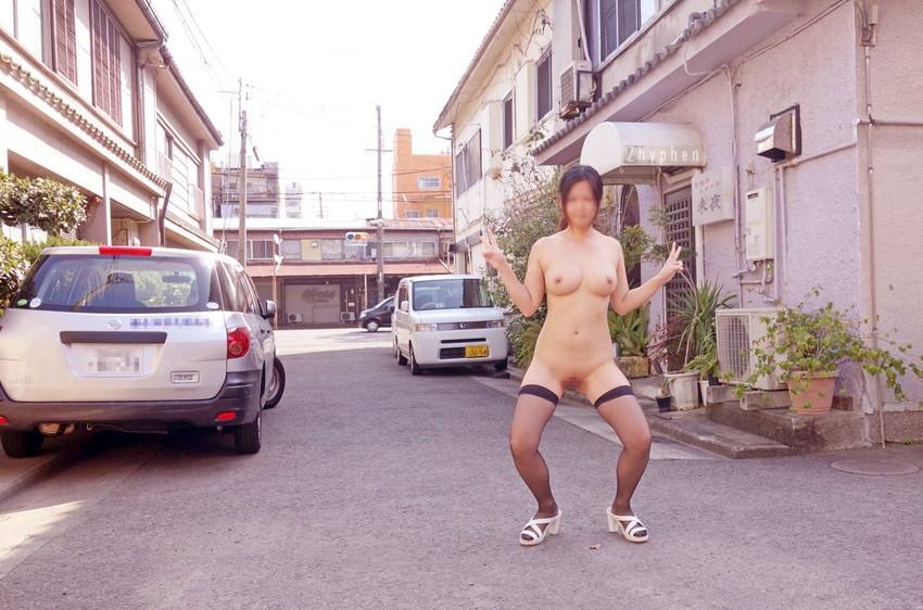 【ガニ股エロ画像】美脚な女の子にガニ股させて陵辱プレイwwガニ股で調教されたりハメ撮りされてるガニ股のエロ画像集ww【80枚】 05