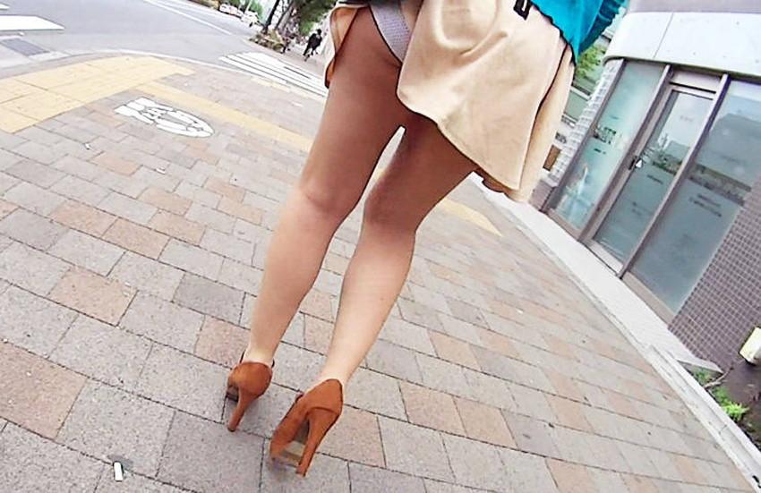 【巻き込みスカートエロ画像】制服JKやミニスカ女子達がトイレ後パンティーやバッグにスカート巻き込んで素人パンティー丸見え状態な巻き込みスカートのエロ画像集ww【80枚】 18