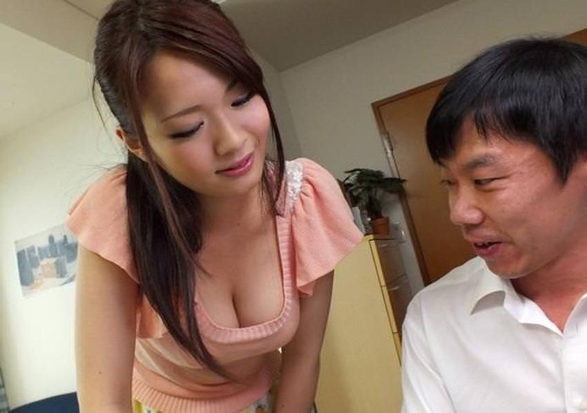 【家庭教師エロ画像】いい香りで美人な家庭教師が前屈みで胸チラ誘惑してきてセックスを教えてくれる家庭教師のエロ画像集ww【80枚】 10