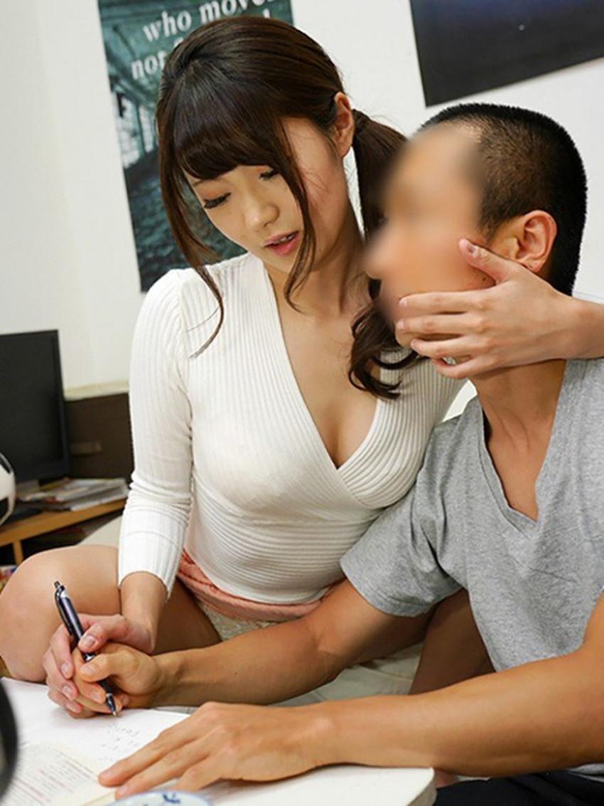 【家庭教師エロ画像】いい香りで美人な家庭教師が前屈みで胸チラ誘惑してきてセックスを教えてくれる家庭教師のエロ画像集ww【80枚】 52