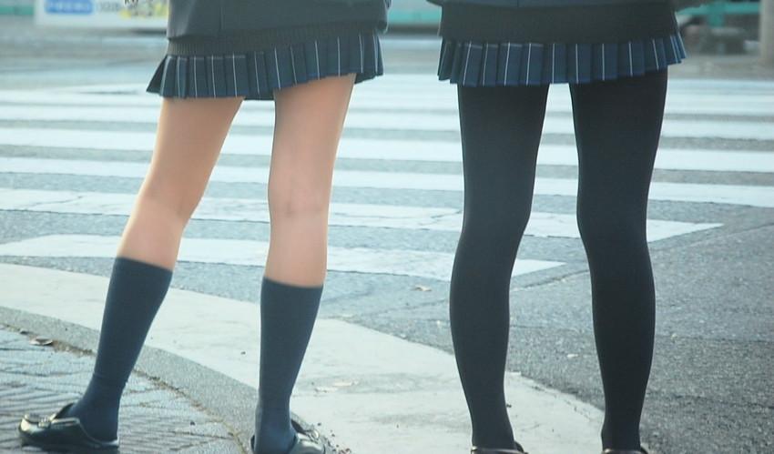 【パンストJKエロ画像】冬服を着た制服JKたちの黒パンストにちんぽを擦りつけて足コキさせたくなるパンストJKのエロ画像集!ww【80枚】 13