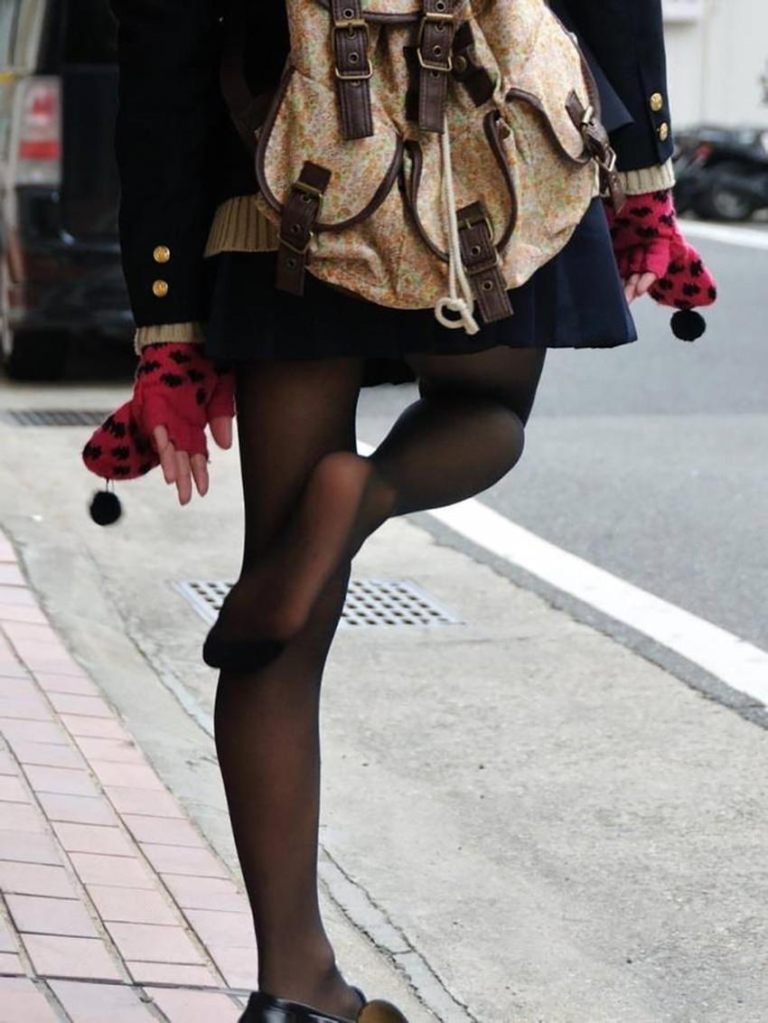 【パンストJKエロ画像】冬服を着た制服JKたちの黒パンストにちんぽを擦りつけて足コキさせたくなるパンストJKのエロ画像集!ww【80枚】 49