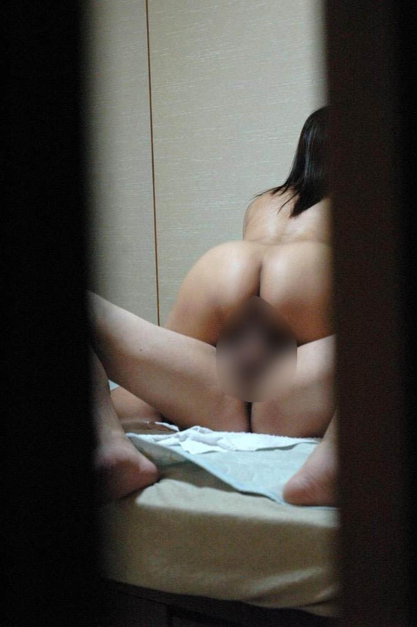 【窓際セックスエロ画像】人にセックスを見られたい変態カップルたちがホテルや自宅の窓際でフェラやガチハメしてる窓際セックスのエロ画像集!ww【80枚】 41
