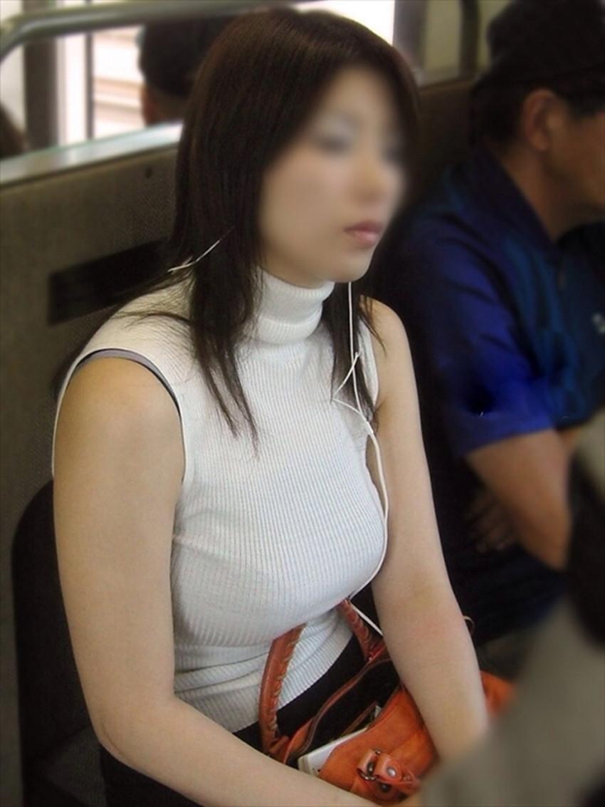 【ニット乳エロ画像】セーターやタートルネックが爆乳ではちきれそうなデカパイ女子達のニット乳のエロ画像集!ww【80枚】 35