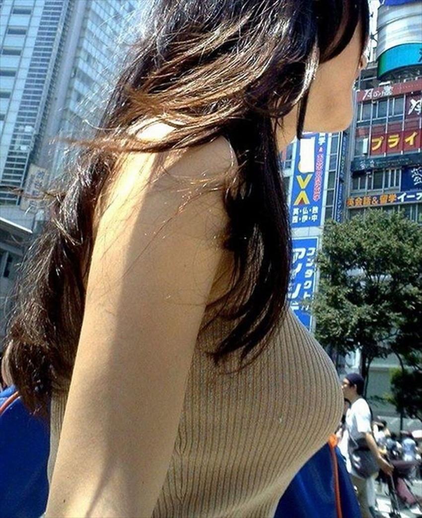 【ニット乳エロ画像】セーターやタートルネックが爆乳ではちきれそうなデカパイ女子達のニット乳のエロ画像集!ww【80枚】 43