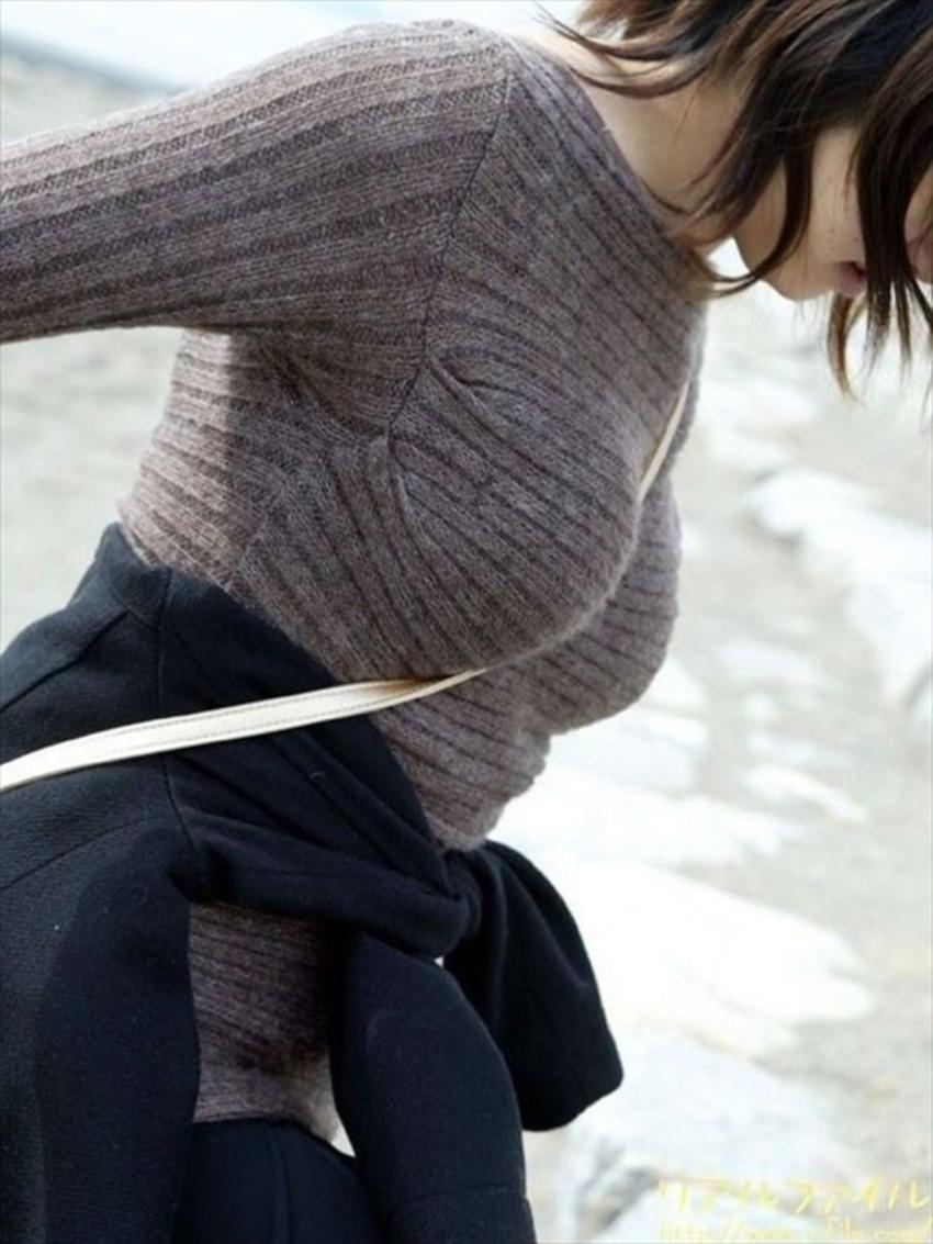 【ニット乳エロ画像】セーターやタートルネックが爆乳ではちきれそうなデカパイ女子達のニット乳のエロ画像集!ww【80枚】 54