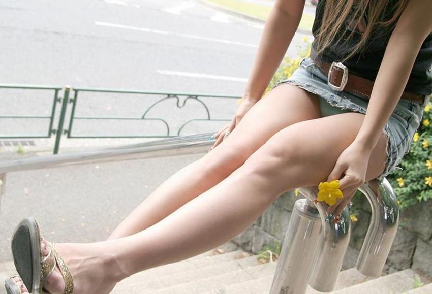 【ミニスカエロ画像】ミニスカ美少女やタイトミニOLの太ももやローアングルパンチラがエロ過ぎるミニスカのエロ画像集!ww【80枚】 14