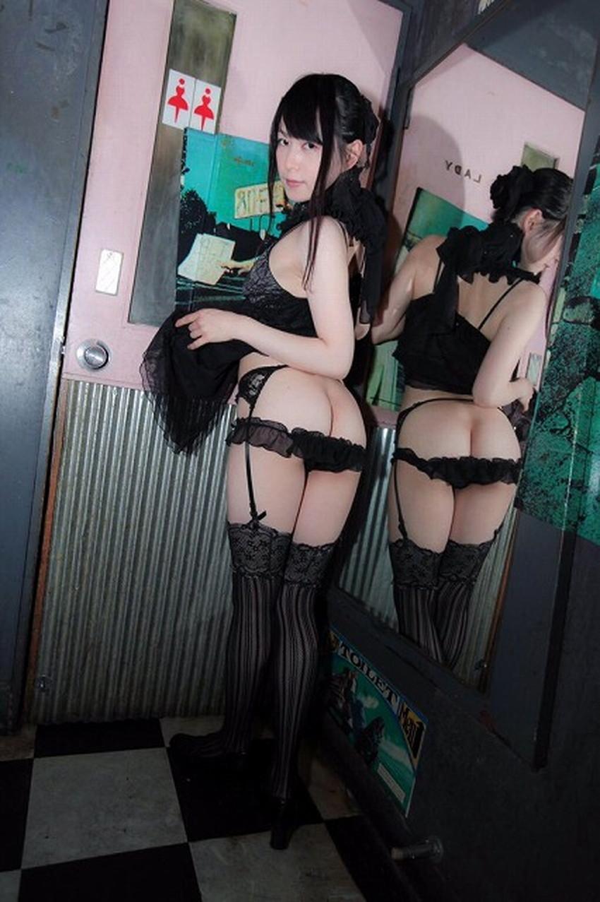 【ヒップハンガーショーツエロ画像】ローライズ過ぎてお尻の割れ目が見えてるロー活女子御用達のヒップハンガーショーツのエロ画像集!ww【80枚】 55