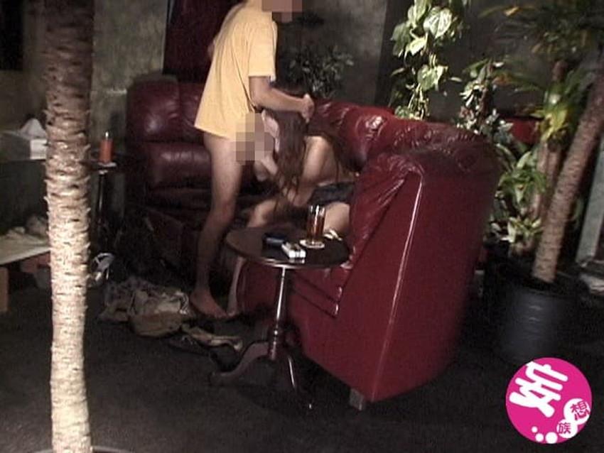 【カップル喫茶エロ画像】カップルや夫婦が他人にセックスを見せつけ乱交やスワッピングしちゃうカップル喫茶のエロ画像集!ww【80枚】 68
