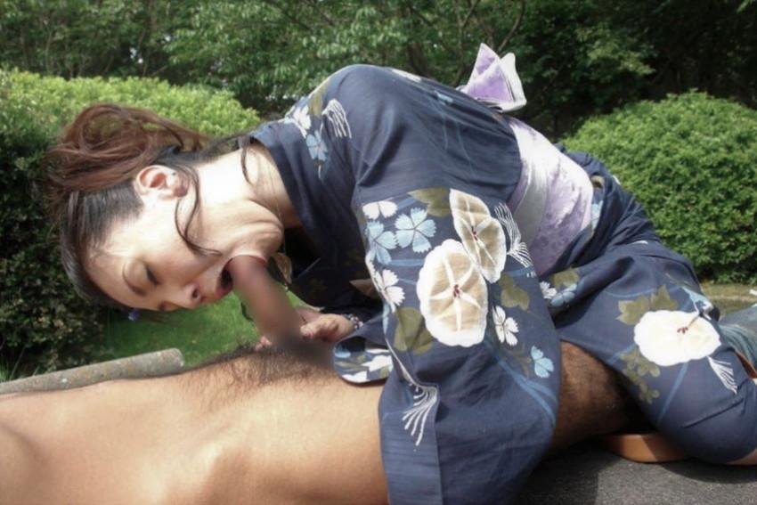 【浴衣セックスエロ画像】夏祭りで浴衣の美少女にフェラさせて、不倫旅行の温泉で浴衣の人妻と浮気してる浴衣セックスのエロ画像集!ww【80枚】 53