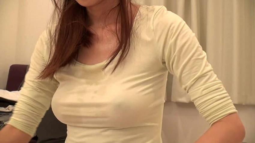 【汗染みエロ画像】清楚なお姉さんたちの脇汗の汗染みや汗でノーブラ乳首が濡れ透けになってる汗染みのエロ画像集!ww【80枚】 18