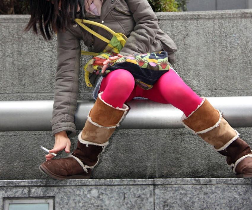 【カラータイツエロ画像】スレンダー美脚やむっちりわがまま美脚のS級女子達がカラータイツ越しに見せるカラフルなパンチラがエロ過ぎるカラータイツのエロ画像集!ww【80枚】 11