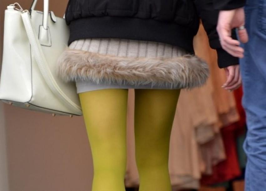 【カラータイツエロ画像】スレンダー美脚やむっちりわがまま美脚のS級女子達がカラータイツ越しに見せるカラフルなパンチラがエロ過ぎるカラータイツのエロ画像集!ww【80枚】 19