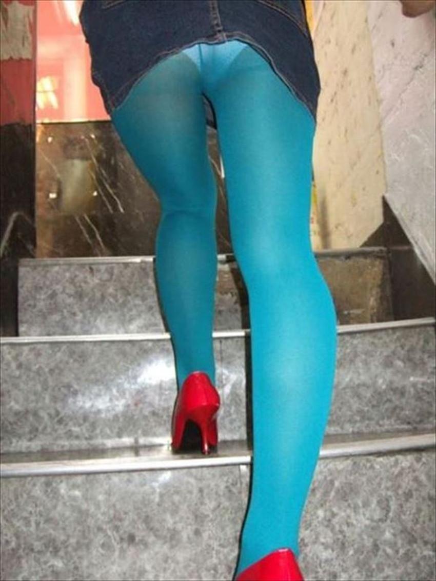 【カラータイツエロ画像】スレンダー美脚やむっちりわがまま美脚のS級女子達がカラータイツ越しに見せるカラフルなパンチラがエロ過ぎるカラータイツのエロ画像集!ww【80枚】 31