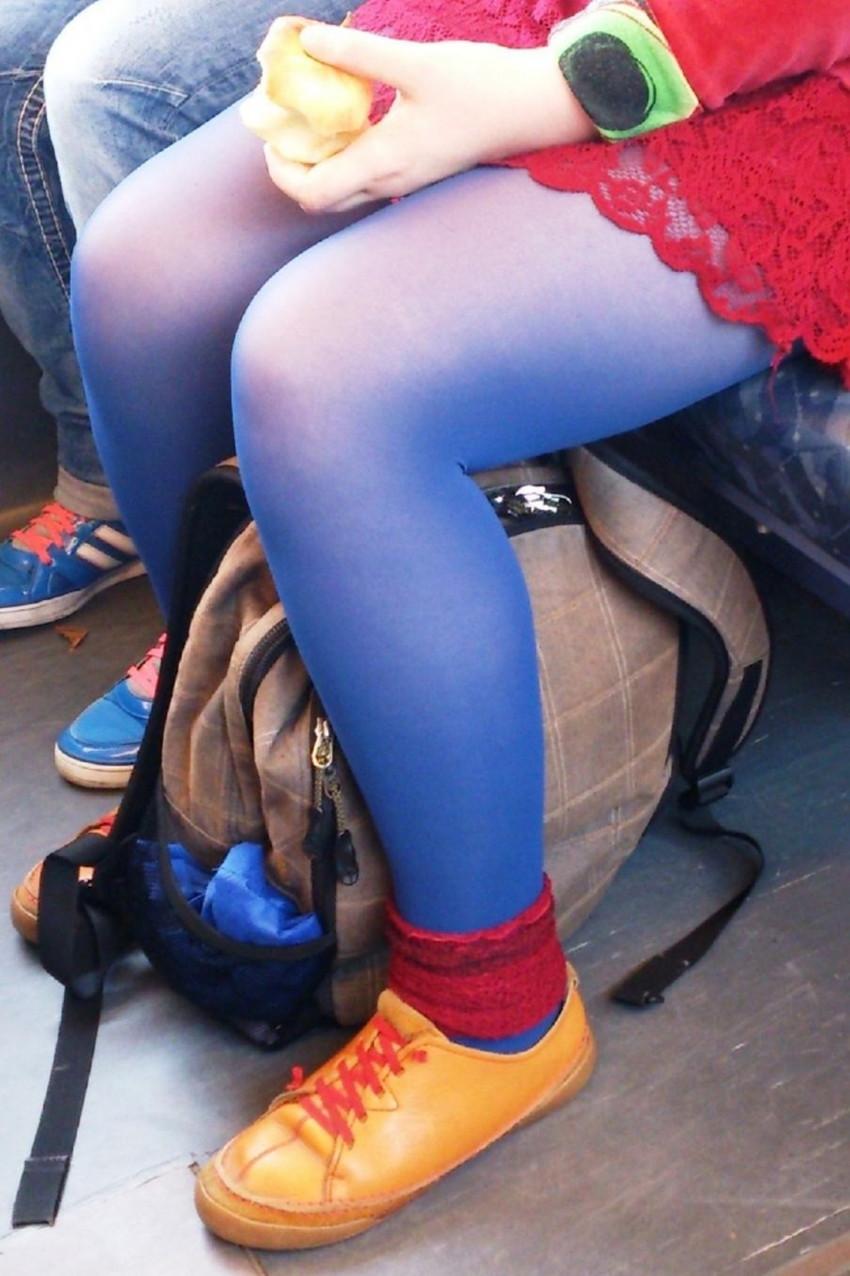 【カラータイツエロ画像】スレンダー美脚やむっちりわがまま美脚のS級女子達がカラータイツ越しに見せるカラフルなパンチラがエロ過ぎるカラータイツのエロ画像集!ww【80枚】 36