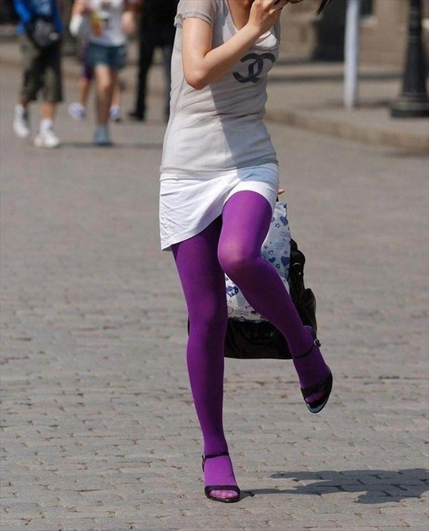 【カラータイツエロ画像】スレンダー美脚やむっちりわがまま美脚のS級女子達がカラータイツ越しに見せるカラフルなパンチラがエロ過ぎるカラータイツのエロ画像集!ww【80枚】 47