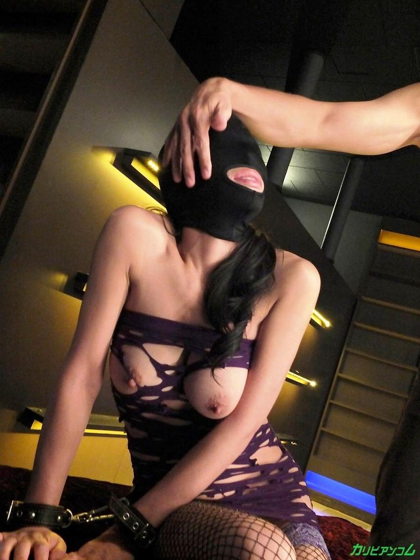 【マゾマクスエロ画像】ドMなデカパイ痴女に目隠しラバーマスク被せてイラマチオしたったマゾマスクのエロ画像集!ww【80枚】 74