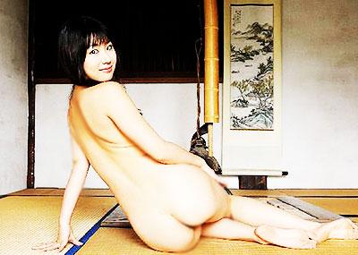 【振り向きヌードエロ画像】美女たちが全裸やセミヌードで振り向きざまに美尻や横乳を見せつけてくれる振り向きヌードのエロ画像集!ww【80枚】