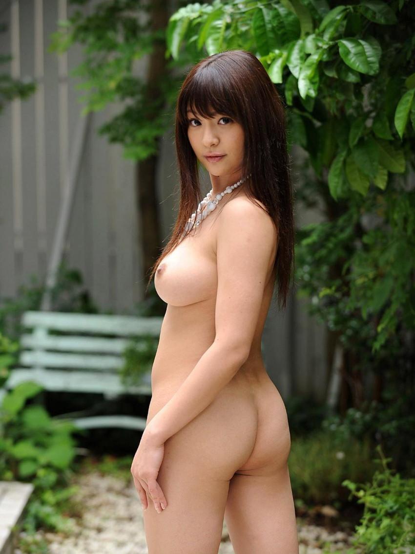 【振り向きヌードエロ画像】美女たちが全裸やセミヌードで振り向きざまに美尻や横乳を見せつけてくれる振り向きヌードのエロ画像集!ww【80枚】 70