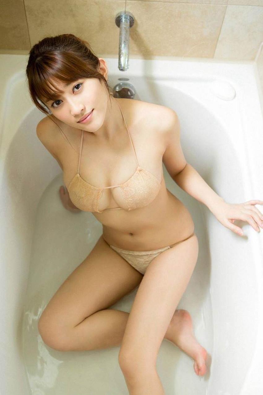 【肌色水着エロ画像】濡れると乳首やまんすじに貼り付いて全裸に見える肌色水着、湯葉水着とも言われる肌色水着のエロ画像集!ww【80枚】 19