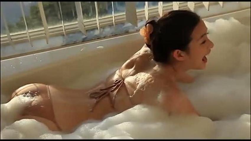 【肌色水着エロ画像】濡れると乳首やまんすじに貼り付いて全裸に見える肌色水着、湯葉水着とも言われる肌色水着のエロ画像集!ww【80枚】 21