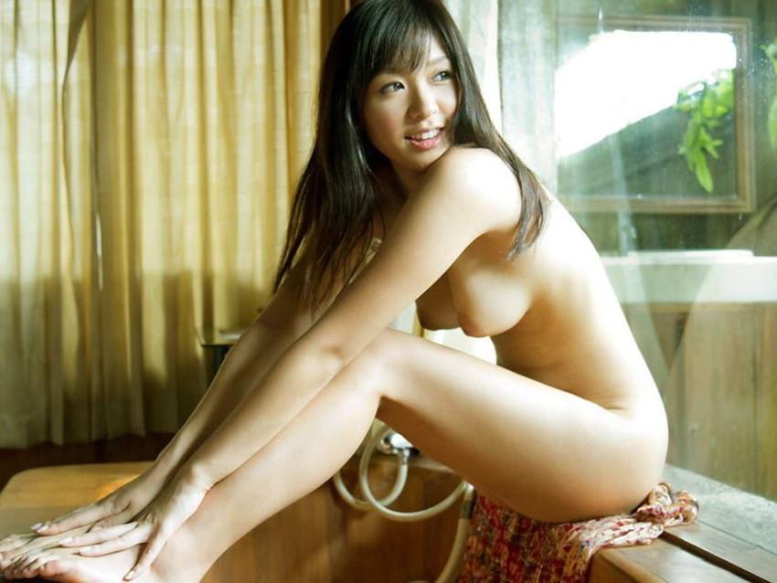 【体育座りヌードエロ画像】美少女たちが体育座りヌードでロリな美乳や股間からマンチラさせてくれてる体育座りヌードのエロ画像集!ww【80枚】 05