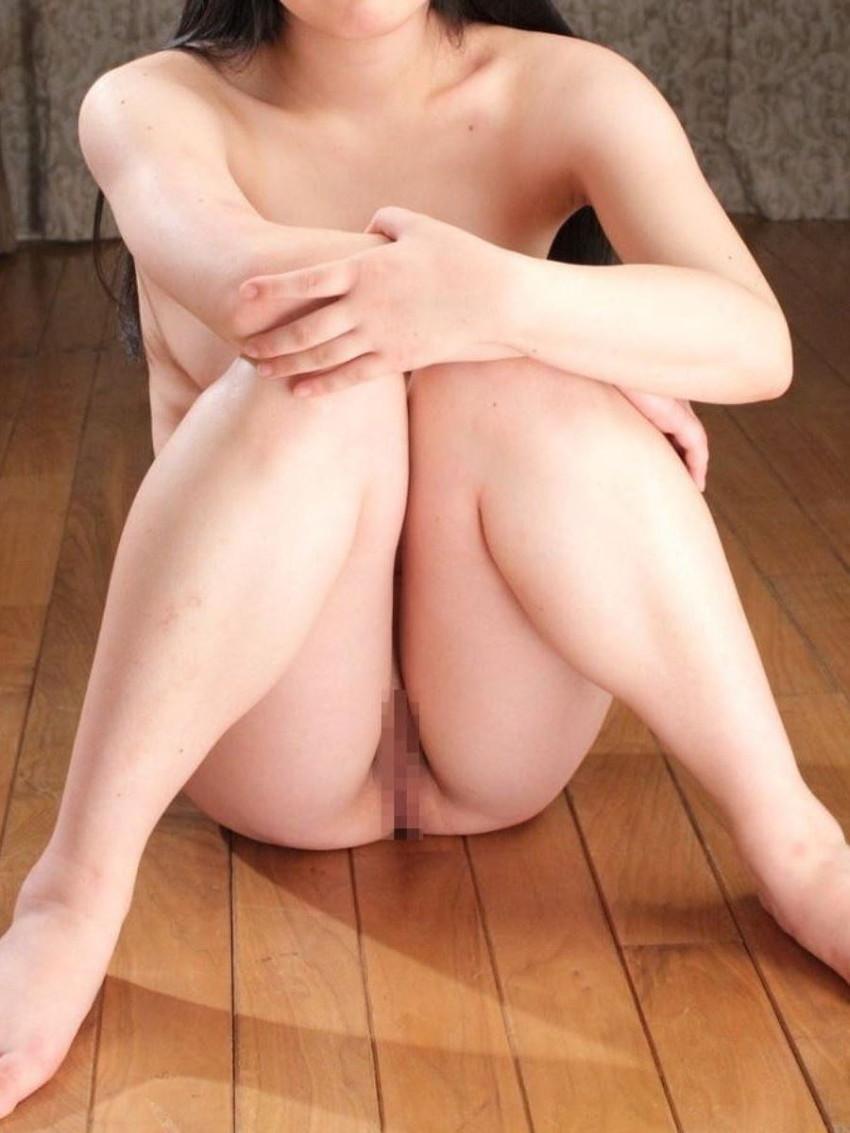 【体育座りヌードエロ画像】美少女たちが体育座りヌードでロリな美乳や股間からマンチラさせてくれてる体育座りヌードのエロ画像集!ww【80枚】 18