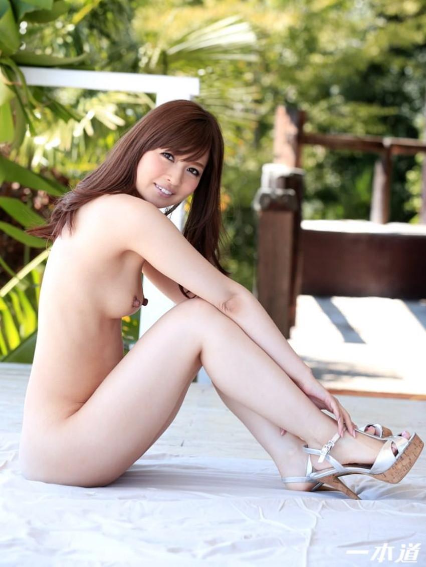 【体育座りヌードエロ画像】美少女たちが体育座りヌードでロリな美乳や股間からマンチラさせてくれてる体育座りヌードのエロ画像集!ww【80枚】 53